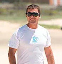 Jesús Lara instructor en kite local school